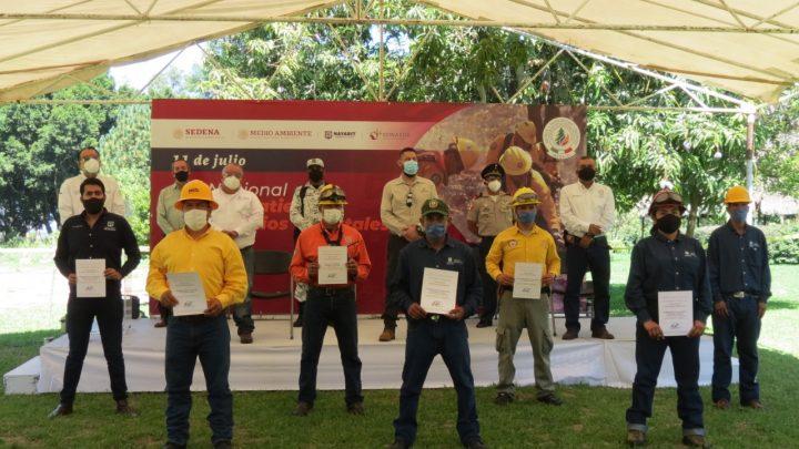 Fueron reconocidos combatientes forestales nayaritas el celebrarse su Día: Ramírez