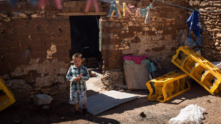 La pobreza y la falta de apoyos gubernamentales hunden a México: Chanona