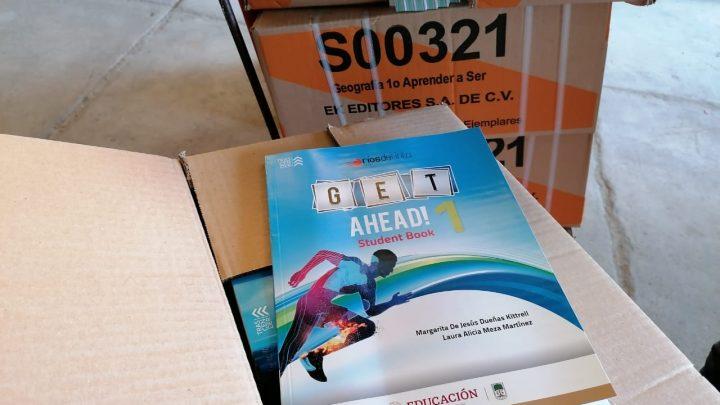 Inició la entrega de más de 1 millón 600 mil libros a escuelas estatales y federales