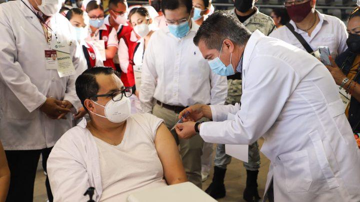Al ISSSTE le tocó coordinar la vacunación a 35 mil docentes en Nayarit: Ramírez